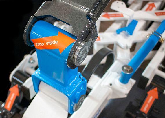 14 paliers lisses en iglidur G sont utilisés sur le guidage en hauteur de chaque élément bineur.